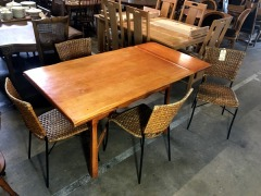 Country Style Dining Room Table w\/4 Chairs