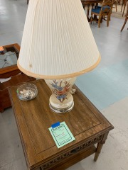 Lamp with Blue\/Tan Flowers item 194
