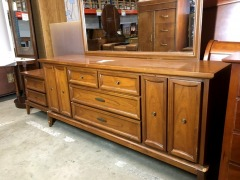 3-Piece Dresser Set by Dixie