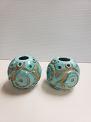 Set of 2 teal candle holders