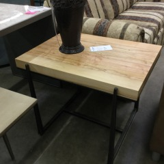 Charleston Forge Metal and Wood Rectangle Table - BETTER\/NEW FURNITURE