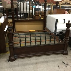 Metal and Wood Queen Size Bed - BETTER\/NEW FURNITURE