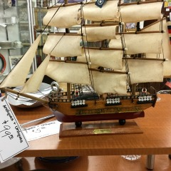Wooden Model USS Constitution - COLLECTIBLES